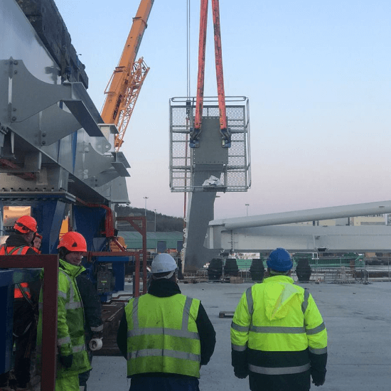 How to calculate the crane size you need for a heavy lift