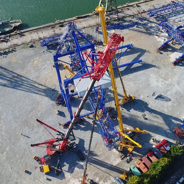 LTM 1200t crane at work